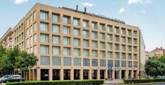 拉丽娜万豪ac酒店 - 洛格罗尼奥 - 建筑