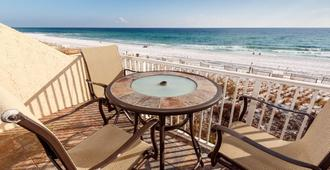温德姆假日出租公司之回声岛公寓式酒店 - 沃尔顿堡滩 - 阳台