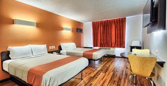 哥伦布西6号汽车旅馆 - 哥伦布 - 睡房