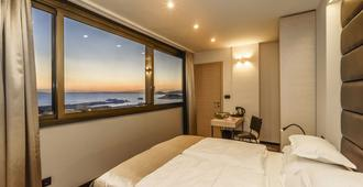 景观豪华客房酒店 - 斯普利特 - 睡房