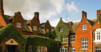 斯普罗斯顿庄园酒店及乡村俱乐部 - 诺里奇