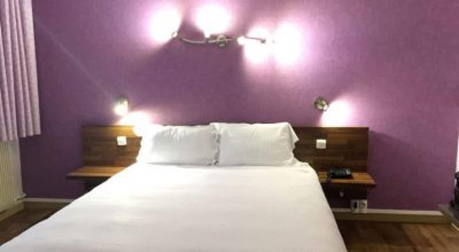 圣艾楠酒店 - 奥尔良 - 睡房