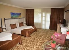 阿塔迈尔多加度假酒店 - Gemlik - 睡房