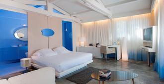 卢皮内酒店 - 圣特罗佩 - 睡房