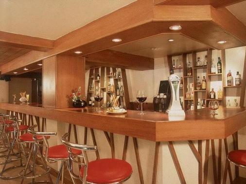 格罗蒂诺公寓酒店 - 曼谷 - 酒吧