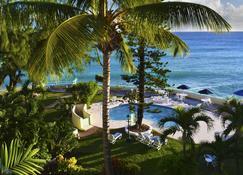 蓝兰花海滩酒店 - 布里奇敦 - 游泳池