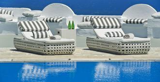 桑托瑞尼酒店 - 费拉 - 游泳池