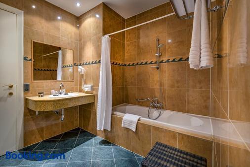 王府温泉酒店 - 奥斯坦德 - 浴室