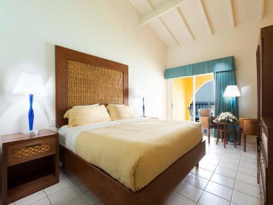 迪维火烈鸟海滩度假村及赌场 - 克拉伦代克 - 睡房