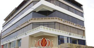 拉斯穆萨斯酒店及娱乐场 - 齐克拉约