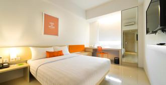 曼加杜阿祖瑞快捷酒店 - 北雅加达 - 睡房