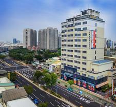 台南荣美金郁金香酒店