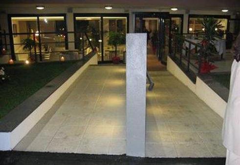 优诺罗马机场酒店 - 菲乌米奇诺 - 建筑