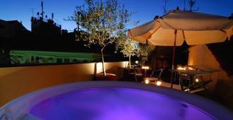 四开钢琴家庭旅馆 - 热那亚 - 睡房