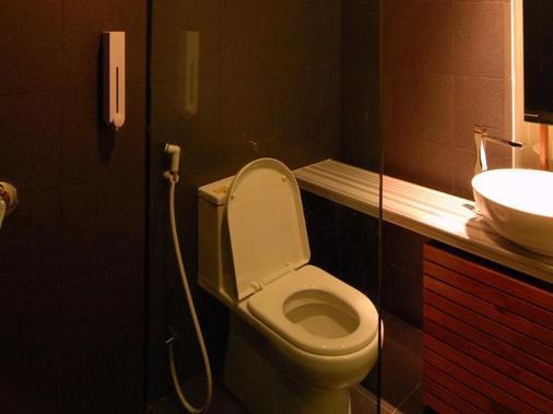 唐多普酒店 - 亚罗士打 - 浴室