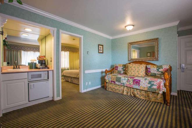 卡梅尔旅馆及套房 - 卡梅尔海 - 客厅