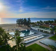岘港海滩铂尔曼度假酒店