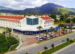 达拉曼机场吕基亚度假酒店 - 达拉曼 - 建筑