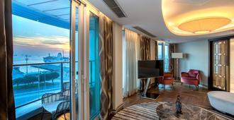 伊斯坦布尔欧托玛雷丽笙蓝标酒店 - 伊斯坦布尔 - 睡房