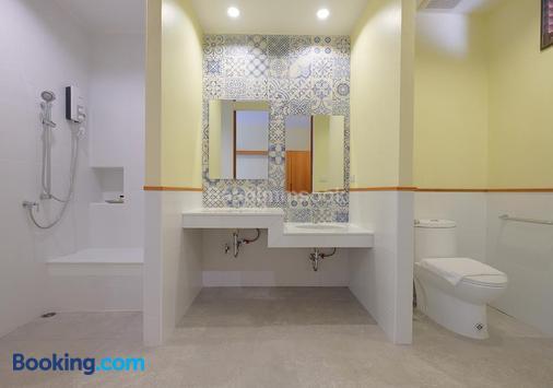 班茵索克度假酒店 - 尖竹汶 - 浴室