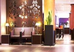 巴黎戴高乐机场-维勒班特金色郁金香酒店 - 鲁瓦西昂法兰西 - 大厅