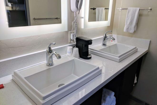 普雷斯科特戴斯酒店 - 普雷斯科特(亚利桑那州) - 浴室