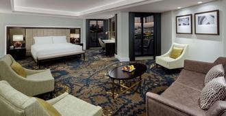 迪拜德伊勒河丽笙酒店 - 迪拜 - 睡房
