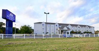 田纳西杰克森美洲最佳价值套房酒店 - 杰克逊 - 建筑