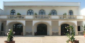 马塞里亚蒙特沃金酒店 - 奥特朗托 - 建筑