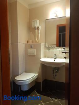 梅德诺酒店 - 卢布尔雅那 - 浴室