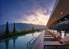 槟城加拉歪G酒店 - 乔治敦 - 游泳池