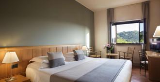 德尔杜基酒店 - 斯波莱托 - 睡房