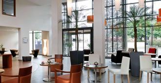 波尔多艾达吉奥公寓式酒店 - 波尔多 - 大厅