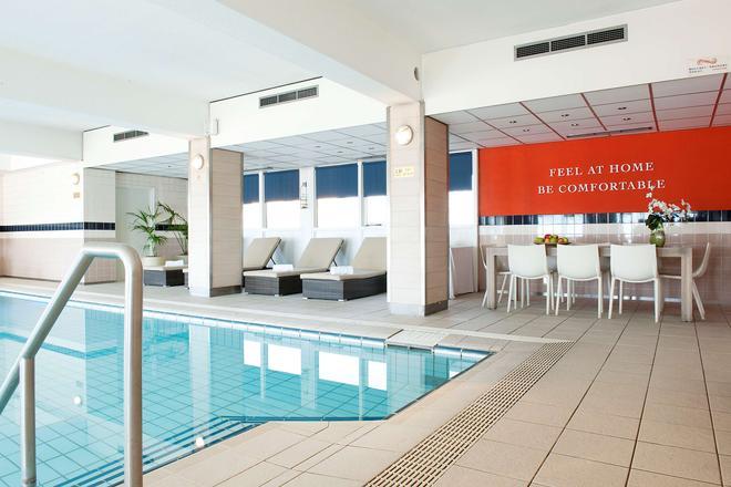 卡尔顿海滩酒店 - 海牙 - 游泳池