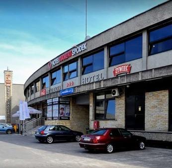 迪亚门特斯伯戴克酒店 - 卡托维兹 - 建筑