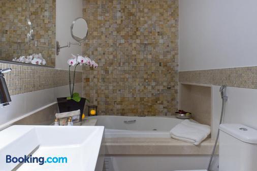 阿巴约米酒店 - 伊利亚贝拉 - 浴室