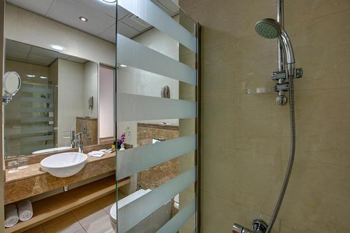 阿尔瓦斯尔奥酷瑞商务酒店 - 迪拜 - 浴室