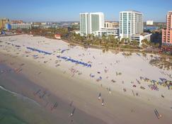 大克利尔沃特海滩温德姆至尊酒店 - 克利尔沃特海滩 - 海滩