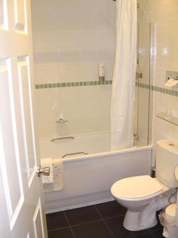 皮尔喀里多尼亚酒店 - 泰恩河畔纽卡斯尔 - 浴室