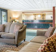 莫米托利多(I80-90)康福特茵套房酒店