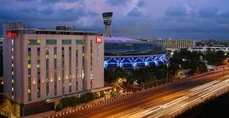 孟买机场宜必思酒店 - 孟买