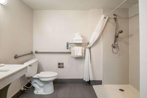 盖恩斯维尔大学康福特茵酒店 - 盖恩斯维尔 - 浴室