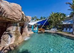 钻石海滩休闲度假村 - 布罗德海滩 - 游泳池