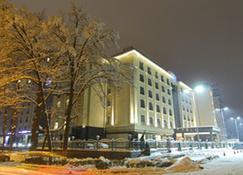 比什凯克猎户座酒店 - 比什凱克 - 建筑