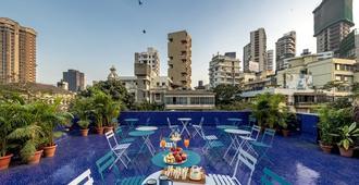 肯普斯角酒店 - 孟买 - 阳台