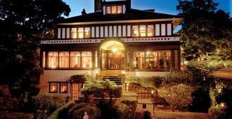 维多利亚比肯斯费尔德住宿加早餐酒店 - 维多利亚 - 建筑