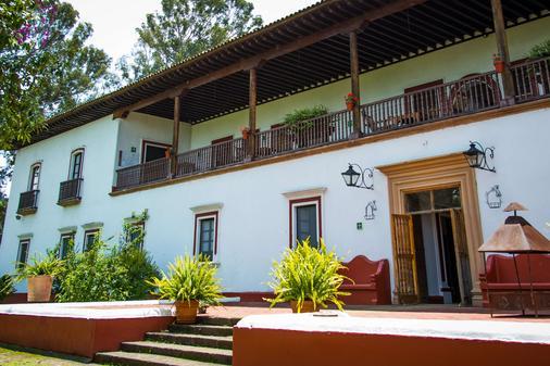 唐瓦斯科贝斯特韦斯特优质酒店 - 帕茨夸罗 - 建筑