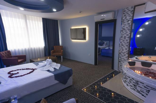 钻石城酒店 - 伊斯坦布尔 - 睡房