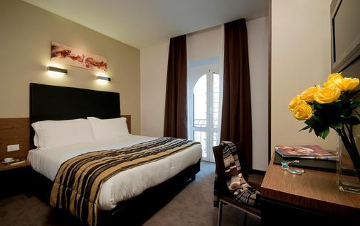 万丽酒店 - 罗马 - 睡房