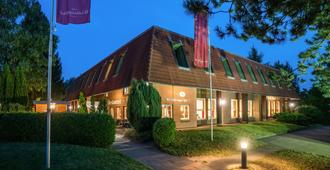 阿尔特罗布鲁格霍夫酒店 - 汉堡 - 睡房